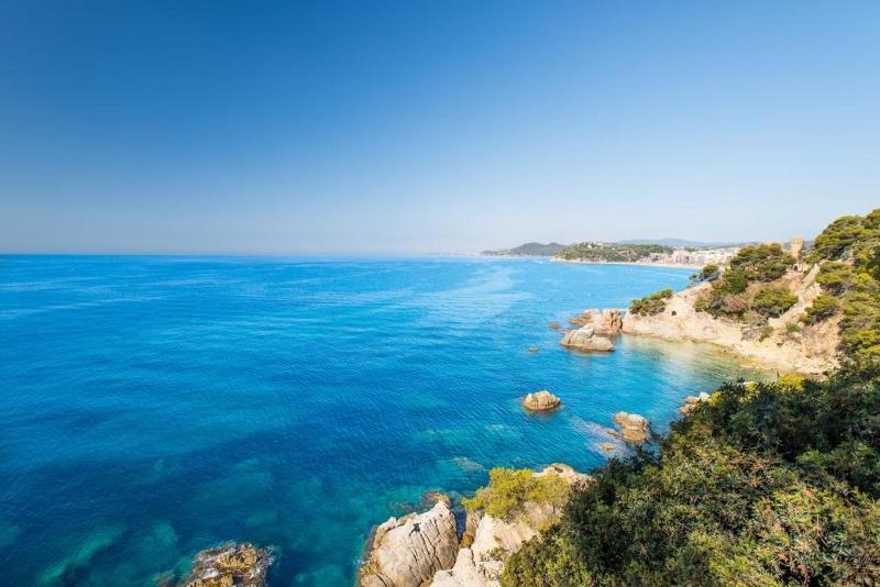 Costa Brava nyaralás: repülőjegy és 4 csillagos hotel
