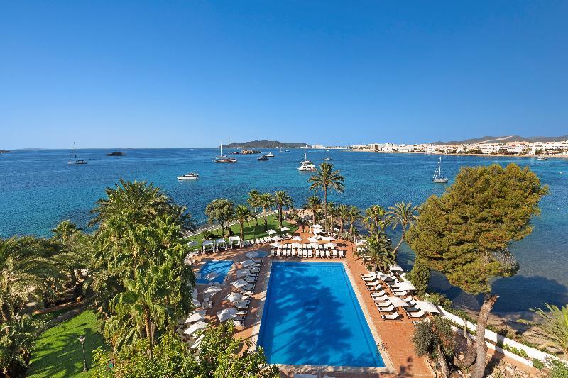 Un oasis en Ibiza ciudad con vistas al mar