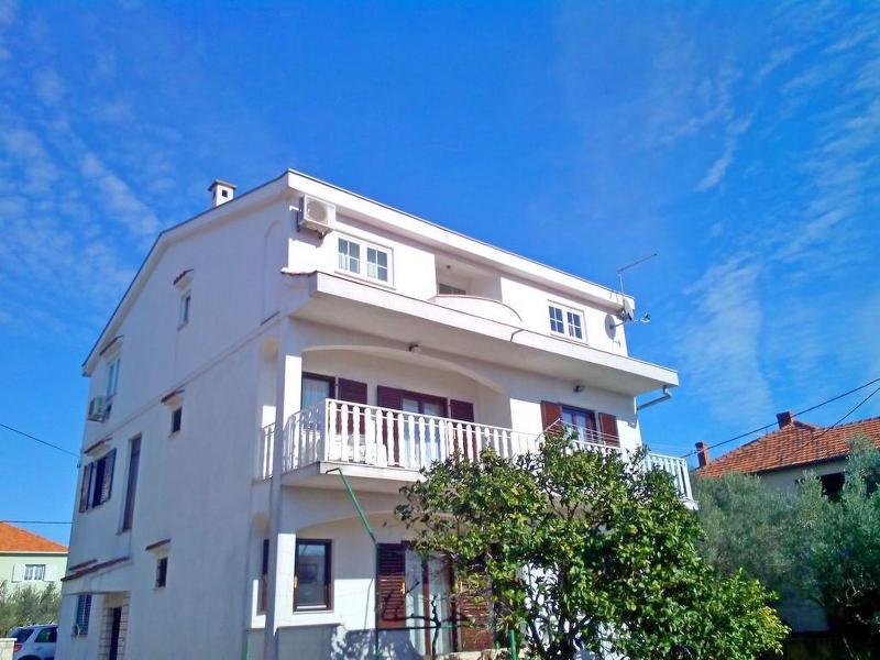 Apartments Burmeta,