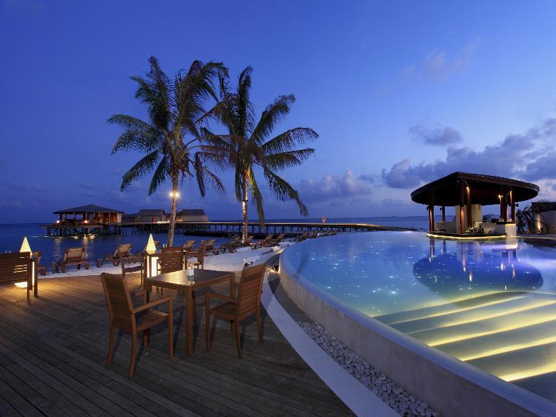 هتل 5 ستارهی Centara Ras Fushi مالدیو