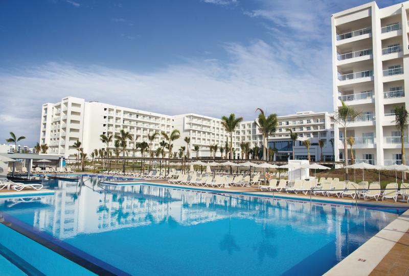 PAMANA CITY + RIU PLAYA BONITA