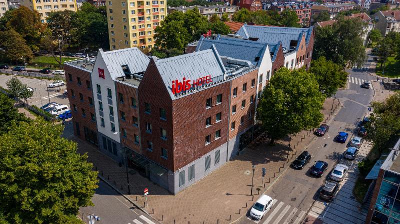 Gdańsk városlátogatás: utazás repülővel és szállás